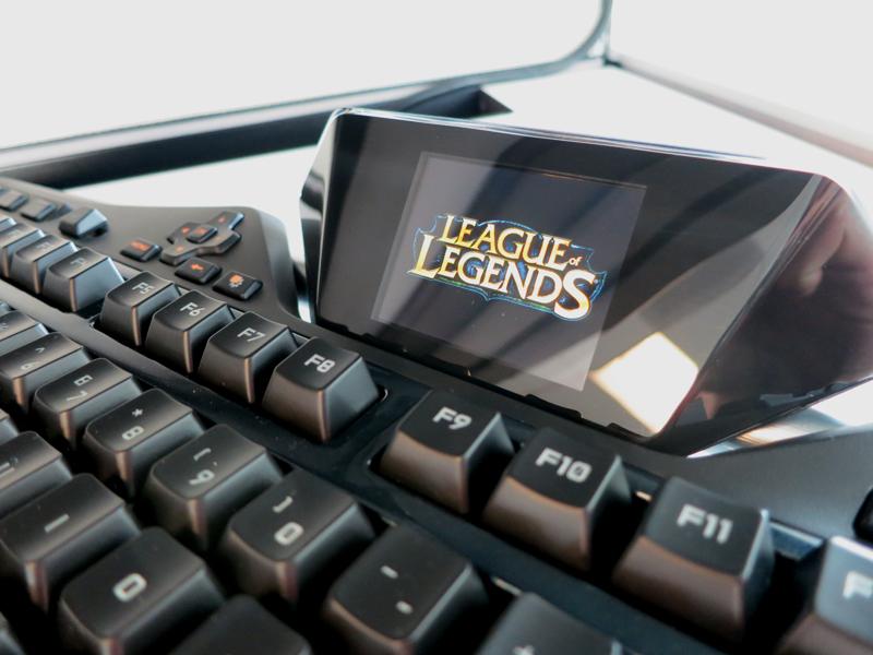 LoL-logo-on-keyboard1