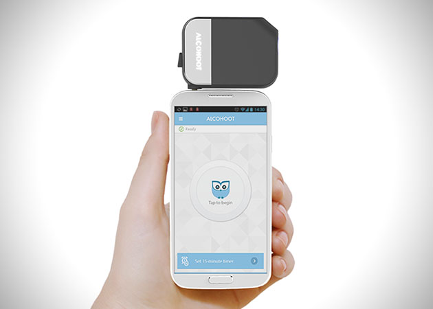Alcohoot-Smartphone-Breathalyzer-1