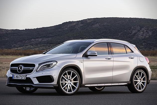 2015-Mercedes-Benz-GLA45-AMG-1