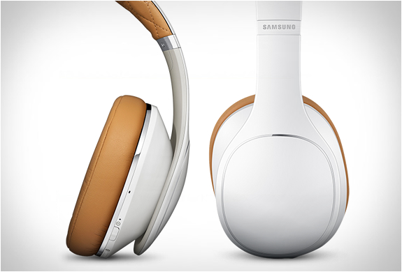 samsung-level-over-headphones-5